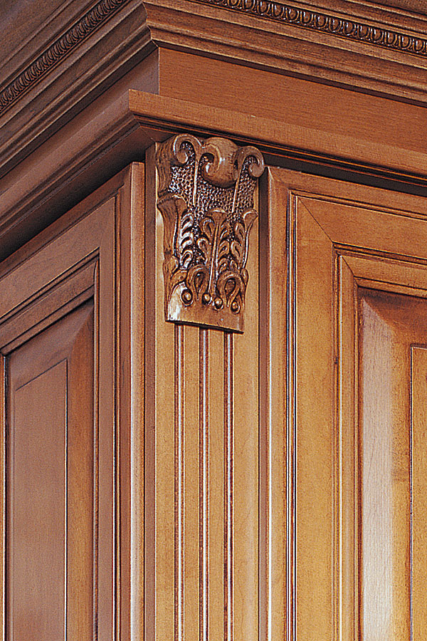 Acanthus Capital Cabinet Moulding