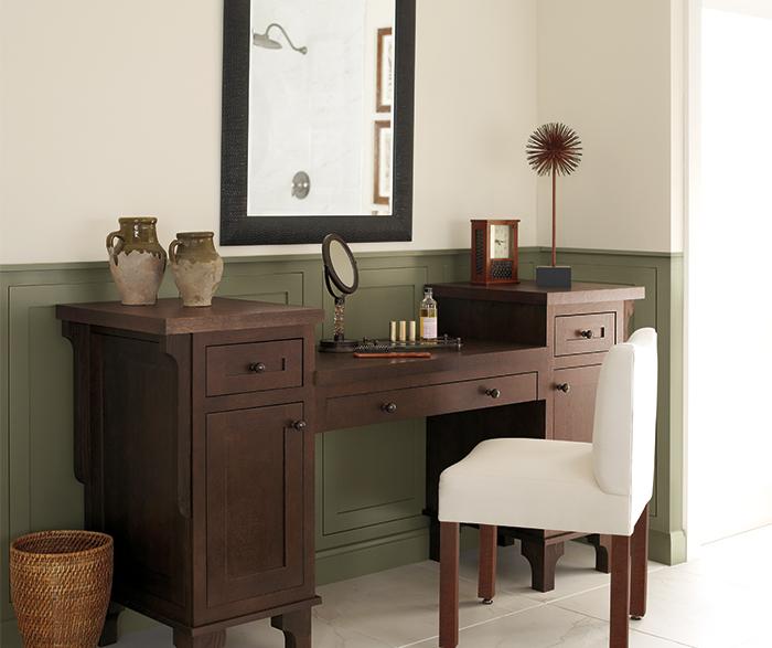 Vanity cabinet in Quartersawn Oak by Decora Cabinetry